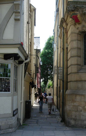 Magpie Lane in 2005